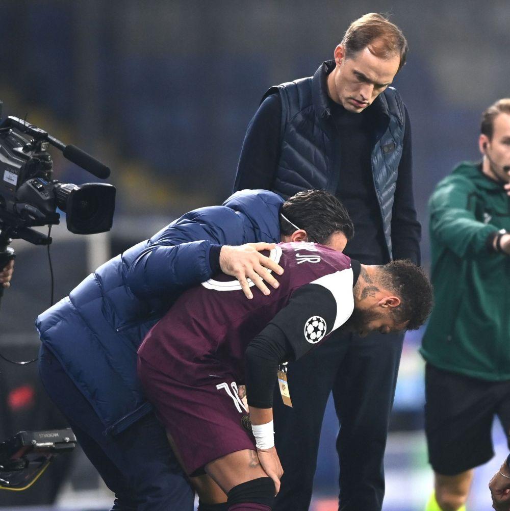 Neymar a iesit in LACRIMI de pe teren! S-a accidentat la Istanbul si a fost schimbat in prima repriza! Aici sunt imaginile momentului