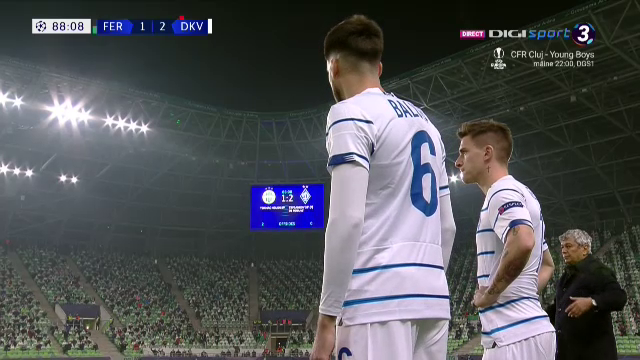 Nuuuu, Baluta, nuuu asa! I-a scos de doua ori la aceeasi faza din offside pe maghiari. Gol la cateva secunde dupa ce a intrat in teren!