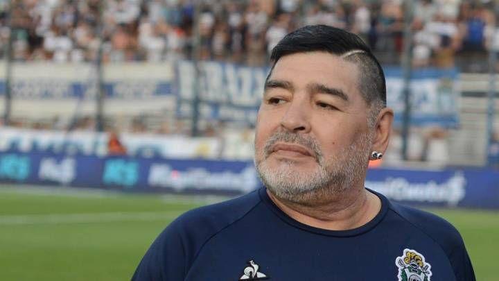 """Maradona nu are nevoie de mult timp pentru a se recupera dupa operatia pe creier! """"El poate merge, vorbeste cu mine!"""" Detalii oferite de medicul sau"""