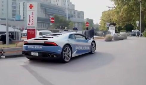 Tara in care politia umbla cu masini Lamborghini. La ce sunt destinate si viteza uriasa cu care circula