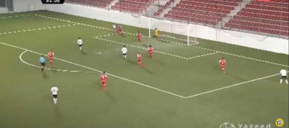 VIDEO incredibil! Nimeni nu se astepta sa inscrie de acolo! Golul spectaculos care l-a lasat fara cuvinte pe portar