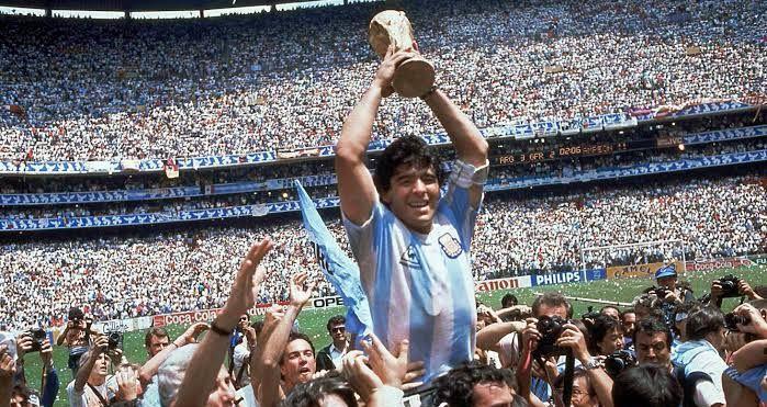 Decizie de ULTIMA ORA anuntata de presedintele Argentinei dupa moartea lui Maradona! S-a decretat DOLIU NATIONAL timp de 3 zile pentru ZEUL FOTBALULUI