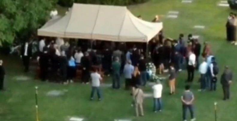 N-au tinut cont de cererea familiei! Presa din Argentina a intrat cu dronele in cimitirul in care era inmormantat Diego