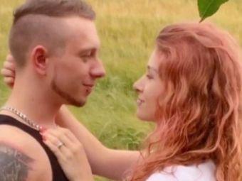 """Vor sa fie """"TRIPLU"""", nu cuplu! Doi tineri logoditi s-au indragostit de o femeie si au cerut-o in casatorie"""