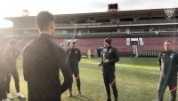 "BREAKING NEWS: Iordanescu, prezentat OFICIAL la CFR Cluj! A facut deja primul antrenament: ""Am mare incredere in echipa asta"""