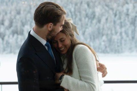 Nunta FASTUOASA in lumea bogatilor, cu numai 2 invitati! El e PRINT cu sange albastru, ea e o tanara MILIARDARA