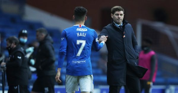 "Gerrard l-a intors pe Ianis Hagi din drum.""Unde sa pleci? Am nevoie de tine in Champions League"""
