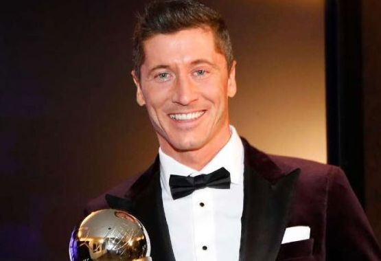"Lewandowski, despre Messi si Ronaldo: ""Cred ca-i pot invita la masa!"" Care sunt idolii sai din copilarie si ce a discutat cu Sir Alex Ferguson"