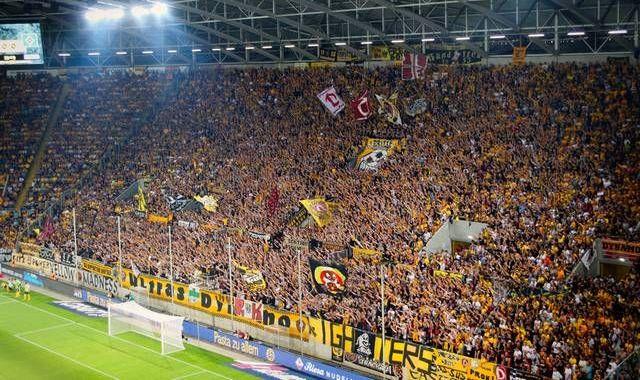 Cei mai loiali fani din lume! Echipa de liga a 3-a care a vandut 72.000 de bilete la ultima partida a anului!