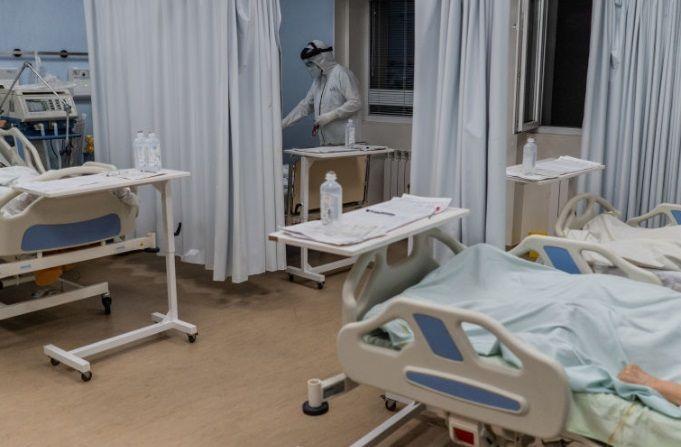 Coronavirusul i-a luat MINTILE! De necrezut ce-a putut sa faca un pacient cu TUBUL DE OXIGEN. A fost arestat imediat