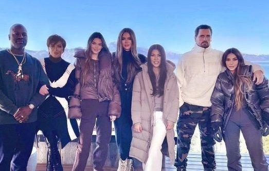 GAFA de proportii in ajun de Craciun. Mesajul de felicitare cu care clanul Kardashian s-a facut de RAS