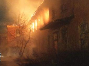Nici in filme nu vezi asa ceva! O fetita de 2 ani, salvata miraculos dintr-un incendiu DEVASTATOR. E incredibil cine a fost EROUL