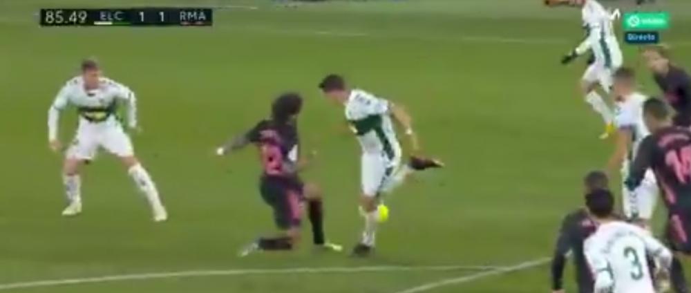 Faza MONDIALA care l-a lasat masca si pe Zidane! Un jucator de la Elche a reusit o MINUNATIE de galactic! Real a ALUNECAT la Elche: 1-1! Courtois a salvat-o de la infrangere. VIDEO