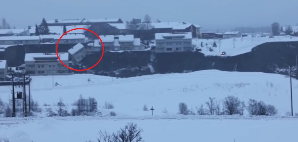 Atentie, imagini CUTREMURATOARE! Momentul in care satul se PRABUSESTE in prapastie! Clipe de groaza pentru mii de oameni in Norvegia! Ce s-a intamplat