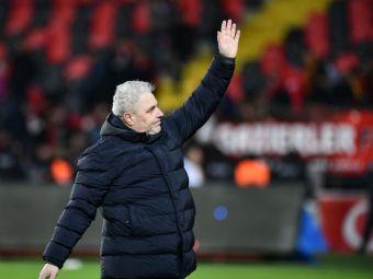 """Prima reactie a lui Sumudica dupa ce a fost desemnat antrenorul anului in Turcia: """"Este incununarea unei munci de un an!"""" Cui i-a dedicat trofeul"""