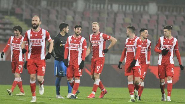 19 fotbalisti, prezenti la primul antrenament din 2021 al lui Dinamo! Doar un spaniol a venit la reunirea echipei! Jucatorii au avut sedinta cu suporterii