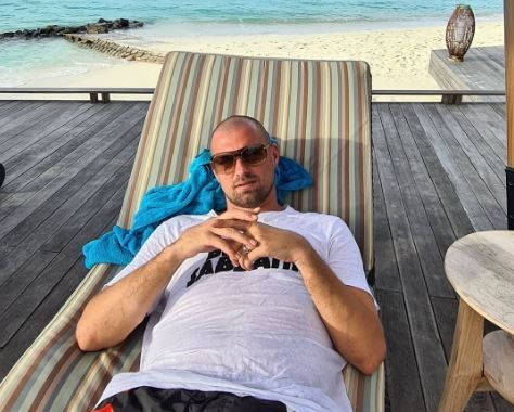 Sa inceapa relaxarea! :) Gabi Tamas a aruncat Instagramul in aer! Cum s-a pozat fundasul in Insulele Maldive! Si sotia a facut spectacol | GALERIE FOTO