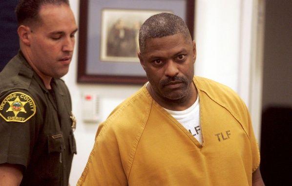 Un campion din fotbalul american, acuzat de crima! Acesta mai avea zeci de arestari pentru trafic de droguri