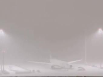 """Furtuna de ZAPADA la Madrid! Avionul lui Real Madrid, blocat pe pista aeroportului: """"E o nebunie!"""" Meciul cu Osasuna poate fi amanat"""