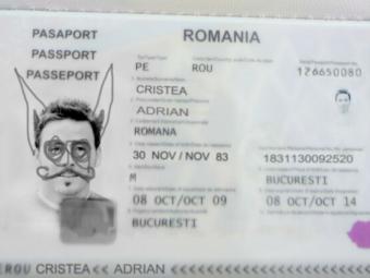 """""""Esti foarte prost! Foarte, foarte prost!"""" """"Printul"""" Cristea, retinut in Turcia dupa ce autoritatile i-au vazut pasaportul! Povestea e fabuloasa!"""