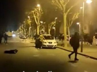 VIDEO Atac FULGERATOR asupra unei masini de POLITIE. Tinerii n-au mai tinut cont de NIMIC. Imagini uluitoare