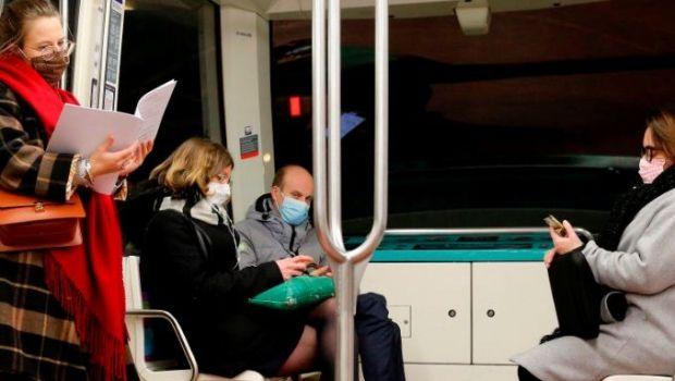 Panica in metrou. E incredibil ce se intampla cu calatorii care nu poarta masca. N-ai cum sa scapi de el!
