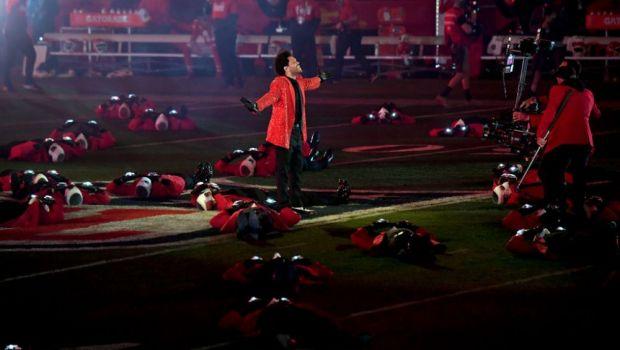 Toti ochii au fost pe el! Super SHOW facut de The Weeknd la cel mai asteptat eveniment al anului! Aici ai momentul intergal