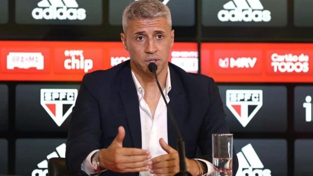 Hernan Crespo a fost prezentat oficial la Sao Paulo! Kaka vine si el in club!