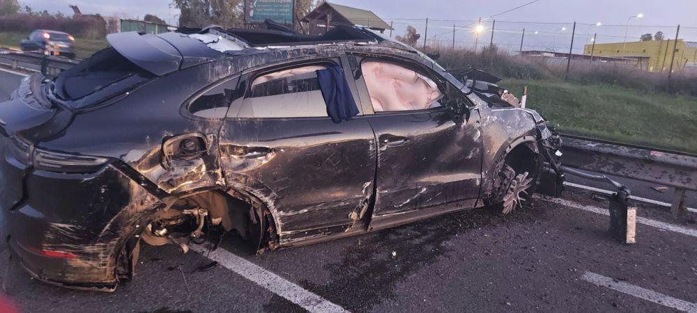 Un fost fotbalist, internat in stare grava dupa un accident rutier! Masina a fost facuta praf