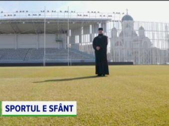 Cat de tare e asta?! Parintele de la biserica de langa stadionul de rugby e mare fan al nationalei! Cum s-a imprietenit cu jucatorii