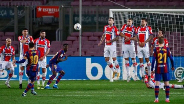 """""""Nu l-am vazut niciodata batand o lovitura libera la antrenamente! Pentru el este ceva natural!"""" Dezvaluiri FABULOASE despre Lionel Messi facute de un fost coleg de la Barcelona"""