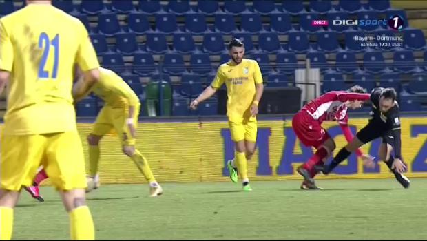 Doar de arbitru nu mai fusese faultat Fabbrini! :) Faza meciului dintre Dunarea Calarasi si Dinamo l-a avut protagonist pe centralul Gaman! Ce a putut sa faca