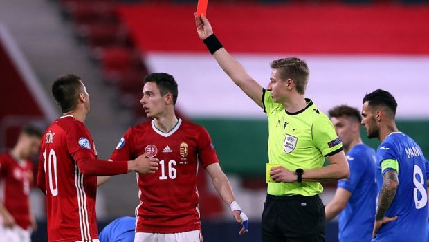 """""""Rar mi-a fost dat sa vad asa ceva! Chestiile astea te toaca marunt!"""" Ilie Dumitrescu a criticat dur prestatia centralului din partida cu Ungaria U21"""
