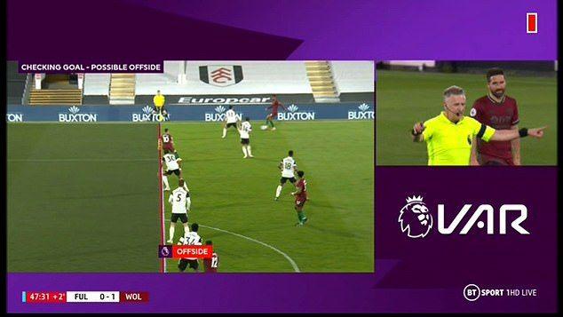 """""""Masinutele"""" VAR s-au facut de ras IAR! Scandalos: i-au anulat lui Liverpool un gol pentru offside la unghie. Furie pe net"""