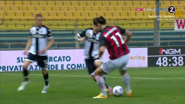 Aroganta fantastica a lui Man in fata lui Zlatan! I-a dat mingea printre picioare 'zeului' de la Milan! Ce reactie a avut Ibra
