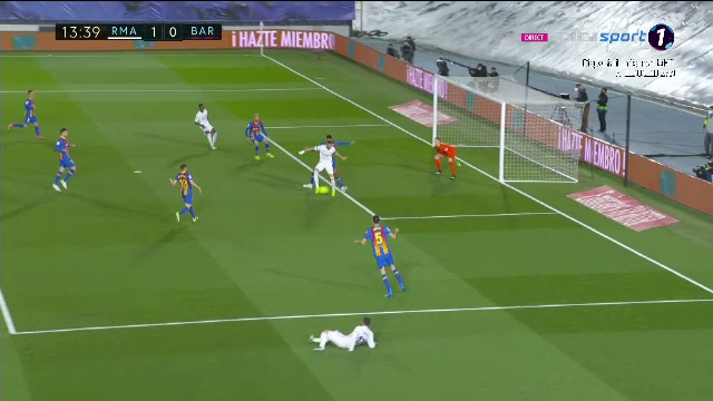 GOOOL EXTRATERESTRU Benzema in fata Barcelonei! A marcat fantastic, cu calcaiul! Faza mondiala pentru superstarul lui Real