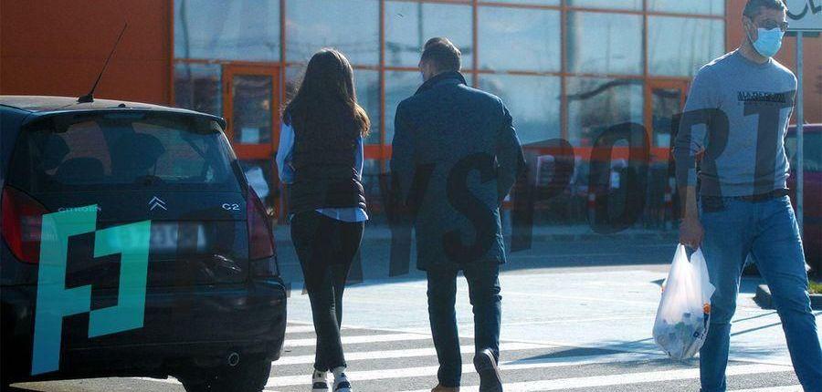 Ilie Dumitrescu are o noua iubita! A fost surprins alaturi de o bruneta superba, mult mai tanara decat el! Cum arata femeia