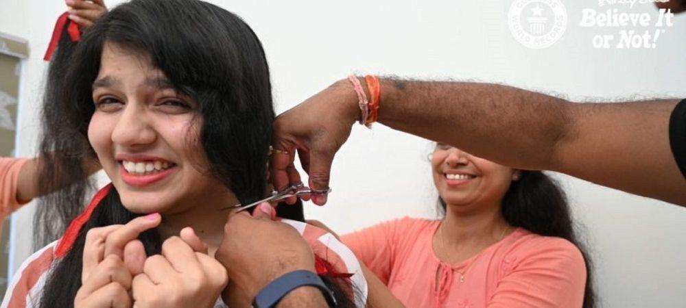 Femeia cu cel mai lung par din lume s-a tuns pentru prima data in 12 ani! Incredibil ce a ales sa faca apoi cu parul sau