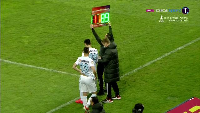 A trecut iar Gigi Becali la comanda? FCSB a facut nu mai putin de 5 schimbari la pauza meciului cu CFR din Supercupa!