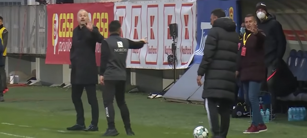 """Toni, la telefon!"" Moment incredibil in finala Supercupei in timpul scandalului dintre Iordanescu si Petrea! S-a auzit in toata arena"