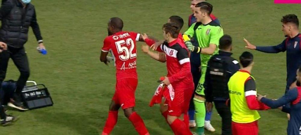 "Scandal monstru la finalul meciului Chindia - Hermannstadt! Pires si-a iesit din minti si a vazut rosu!Acuzatii de rasism: ""I-a facut semne obscene!"""