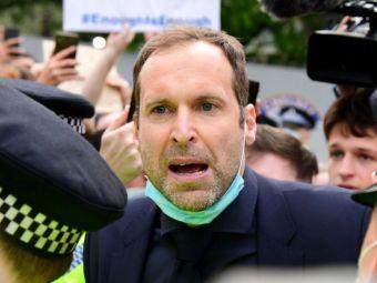 VIDEO  Petr Cech a intervenit in protestele de la Stamford Bridge! Dialog cu suporterii