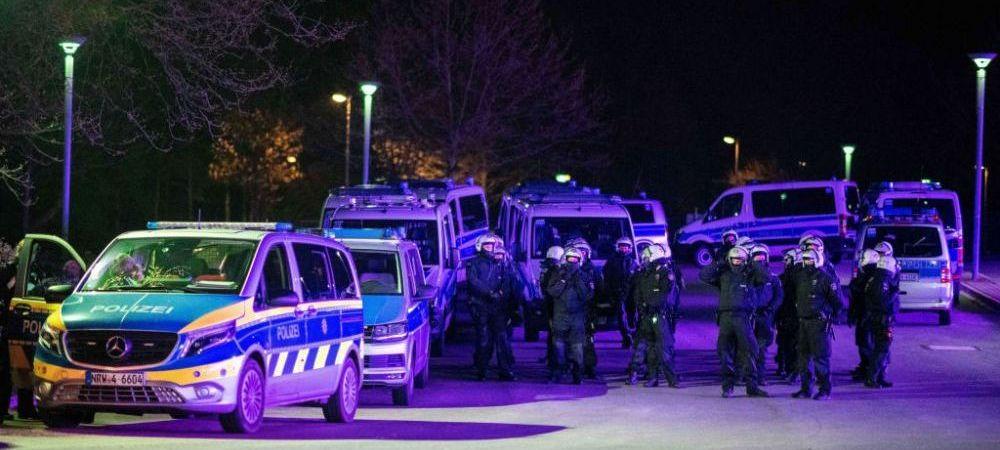 Jucatorii lui Schalke, bombardati cu oua de catre fani dupa ce au retrogradat in Liga 2! A fost nevoie de interventia politiei