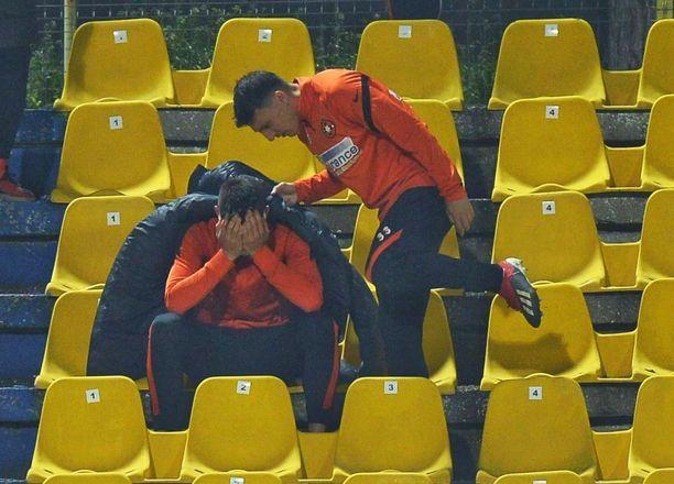 Imagini incredibile de la Clinceni - FCSB! Unul dintre titularii schimbati de Petrea, in lacrimi in tribune