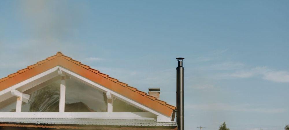 (P)Ascultă sfaturile specialiștilor și evită principala cauză a incendiilor de locuințe din România!