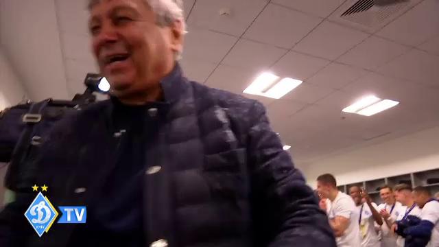 Momentele nevazute de dupa titlul castigat de Lucescu la Dinamo! Luce a desfacut sampania, apoi jucatorii l-au aruncat in aer! Imagini senzationale