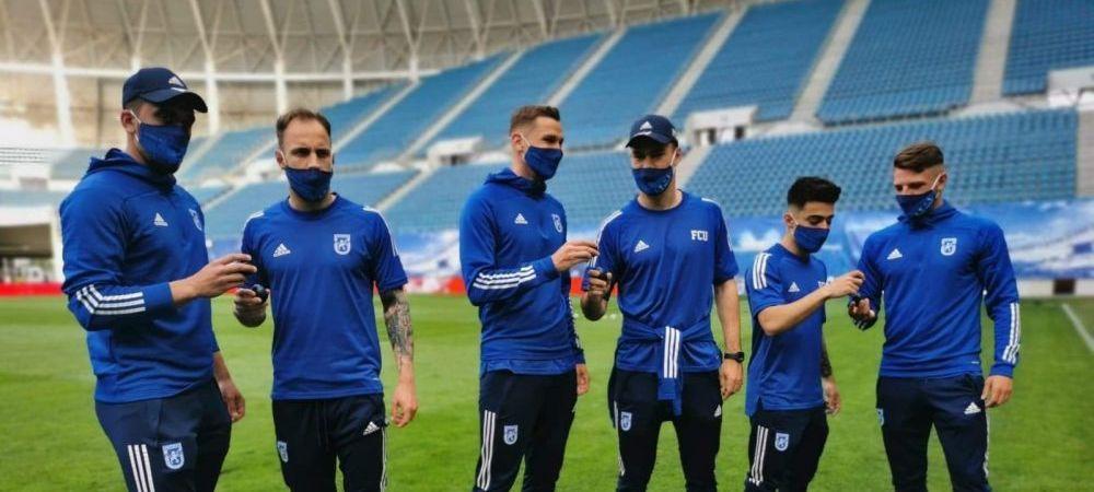 Au venit cu masti personalizate si au ciocnit oua albastre inainte de Pasti! Ce s-a intamplat pe gazon inainte de FCU Craiova - Mioveni