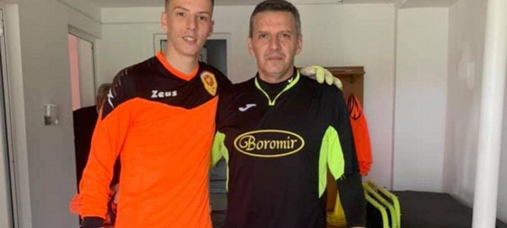 Stirea din Romania care face inconjurul lumii! Tatal si fiul au jucat unul impotriva celuilalt intr-un meci oficial. Ce s-a intamplat
