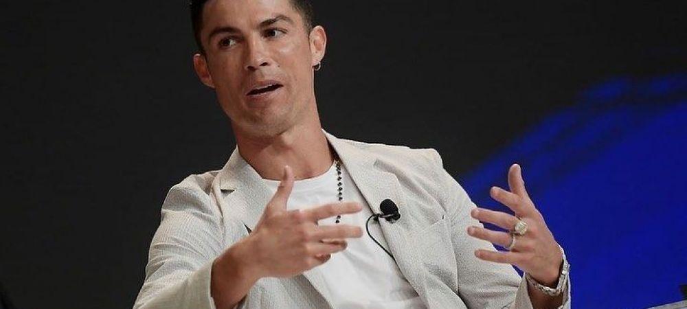 Pe asta nu o mai facuse! Ronaldo, surprins purtand un inel de logodna pentru femei in valoare de 200 000 de lire!A avut la mana bijuterii de peste jumatate de milion de lire