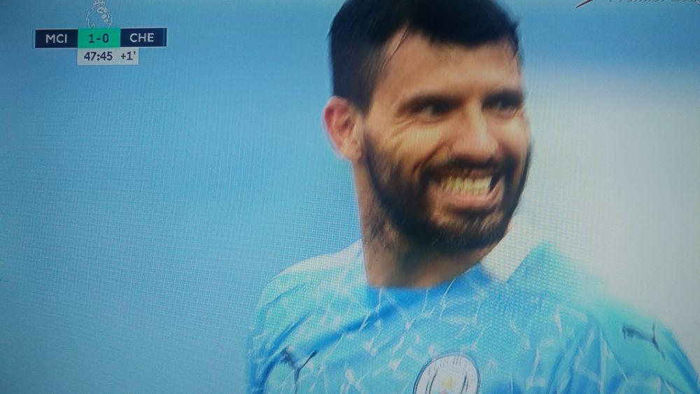 BREAKING NEWS   Sunt imaginile momentului! L-a vazut pe Ribeiro de la U Cluj si a zis s-o dea la fel! :)) Aguero s-a facut de ras in City - Chelsea! Mendy i-a scos-o cu o mana! Cum a putut sa bata penalty-ul